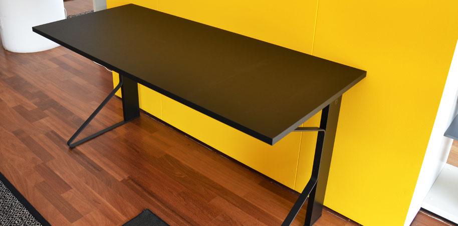 Tavolo glossy outlet kartell design shop a varese for Tavoli design outlet
